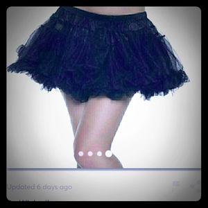 Be Wicked flirty,  mini petticoat in black.